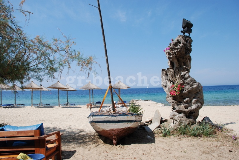 loco verano beach bar, nikiti, halkidiki, greece